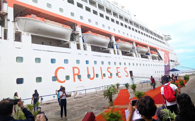 Embarkation and Disembarkation – The Busiest Days On Cruise Ships